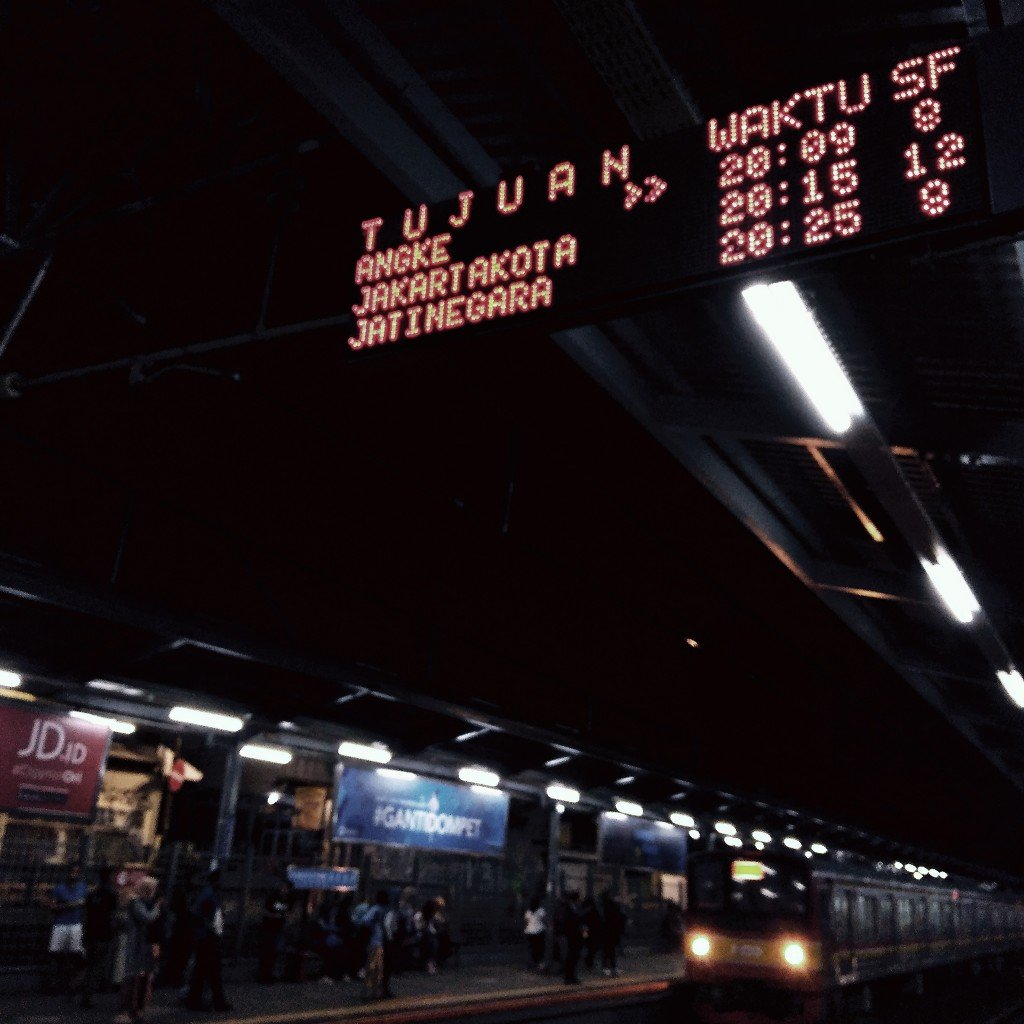 SF kereta api itu apa?