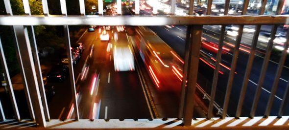 pagar ompong jembatan penyeberangan jalan Gatot tJakarta