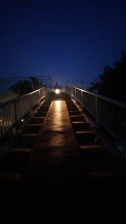 JPO: Jembatan penyeberangan orang naik motor