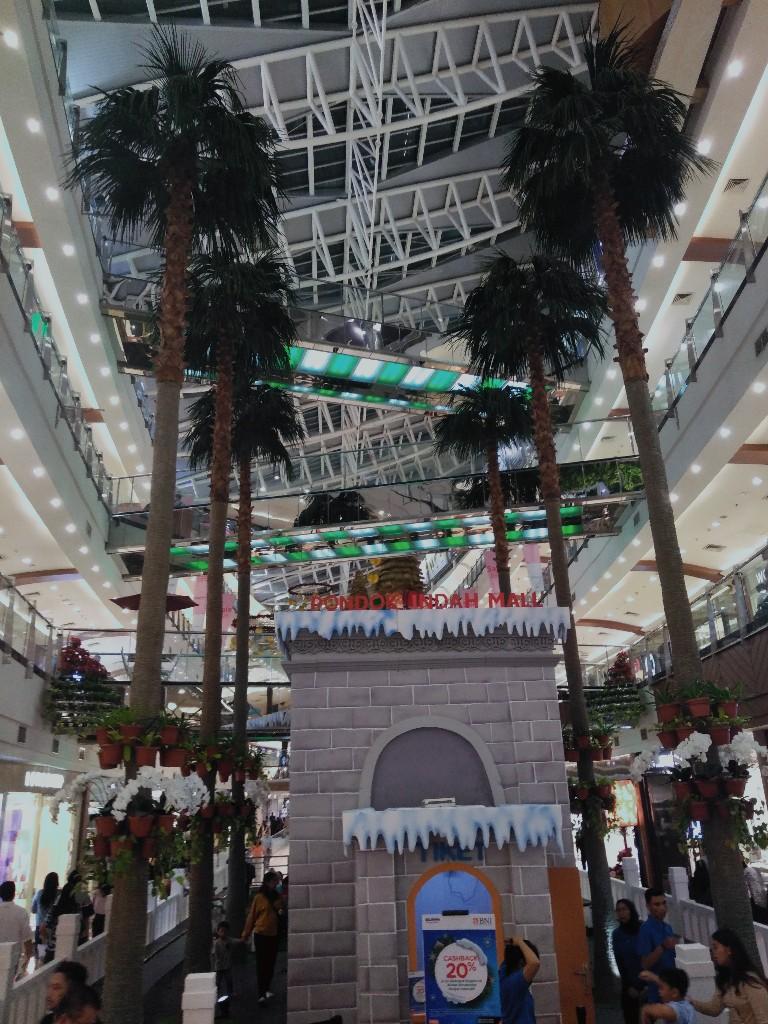 Bukan Natal dan tahun baru di mal, tapi perayaan musim dingin