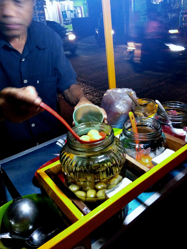 Ronde Pak Suparno di Pasar Kecapi, Pondokmelati, Bekasi