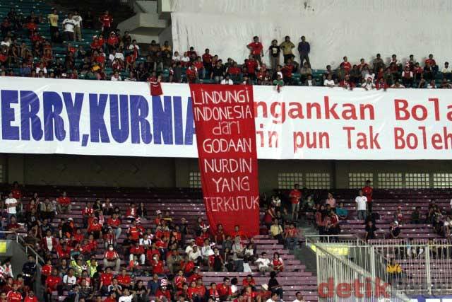 Nurdin Halid di GBK Senayan Jakarta