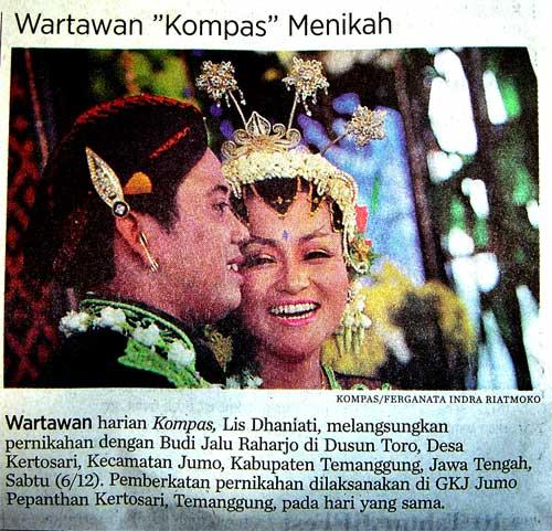 Tradisi Kompas: memasang foto pernikahan wartawannya