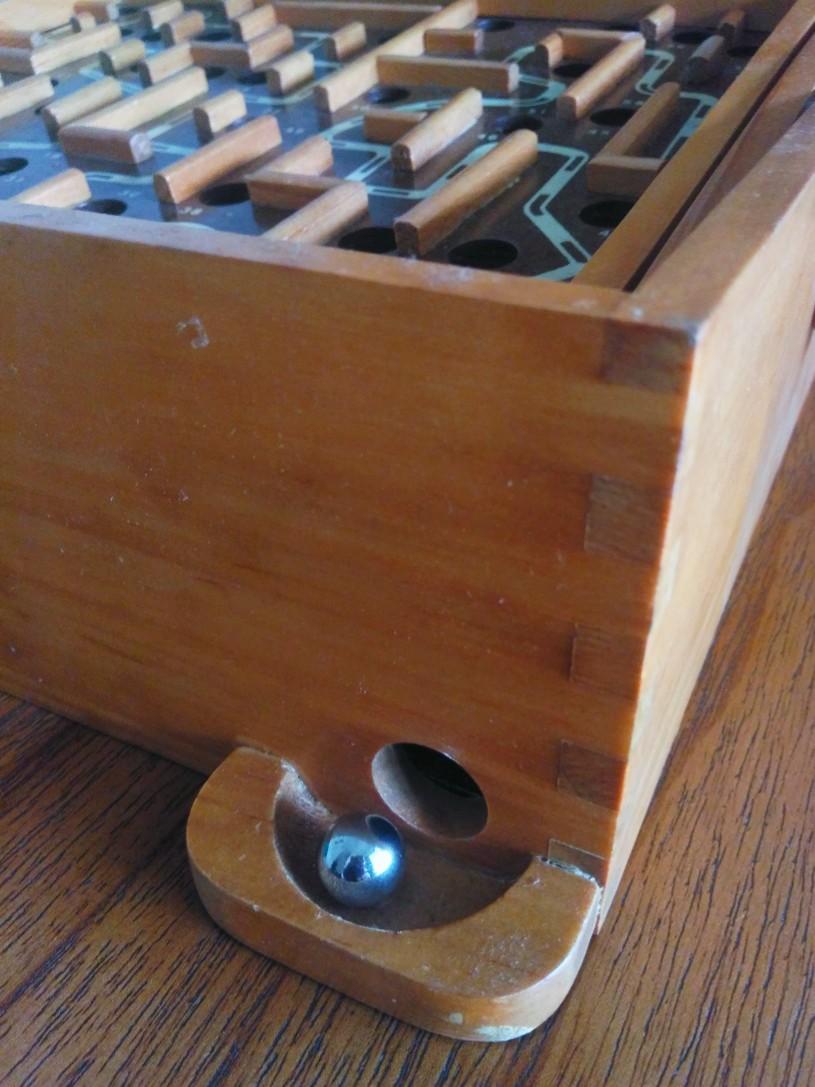 Pinball kayu manual buatan Indonesia