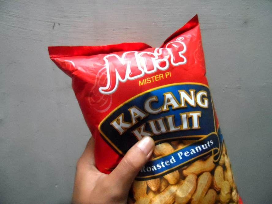 kacang panggang Mr P disukai wanita dan pria lho