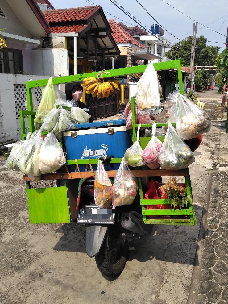 Sepeda motor milik perempuan penjaja sayur keliling
