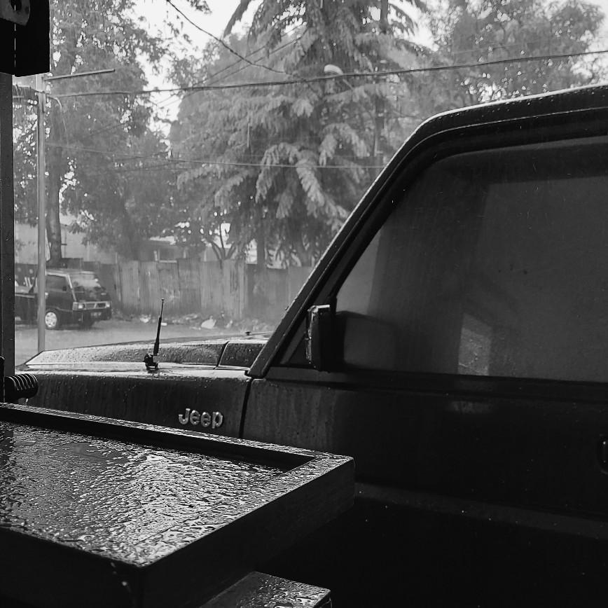 Punya mobil kok nggak berani kena hujan