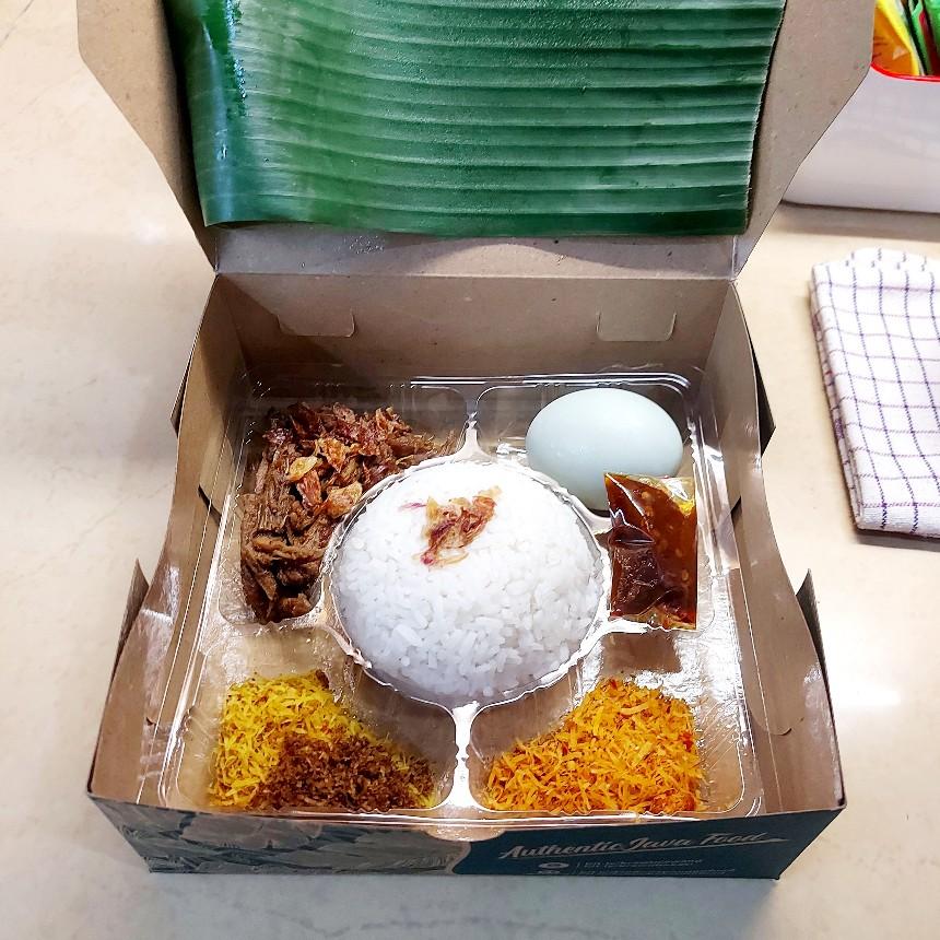 Kemasan ramah lingkungan dari karton kraft untuk nasi krawu