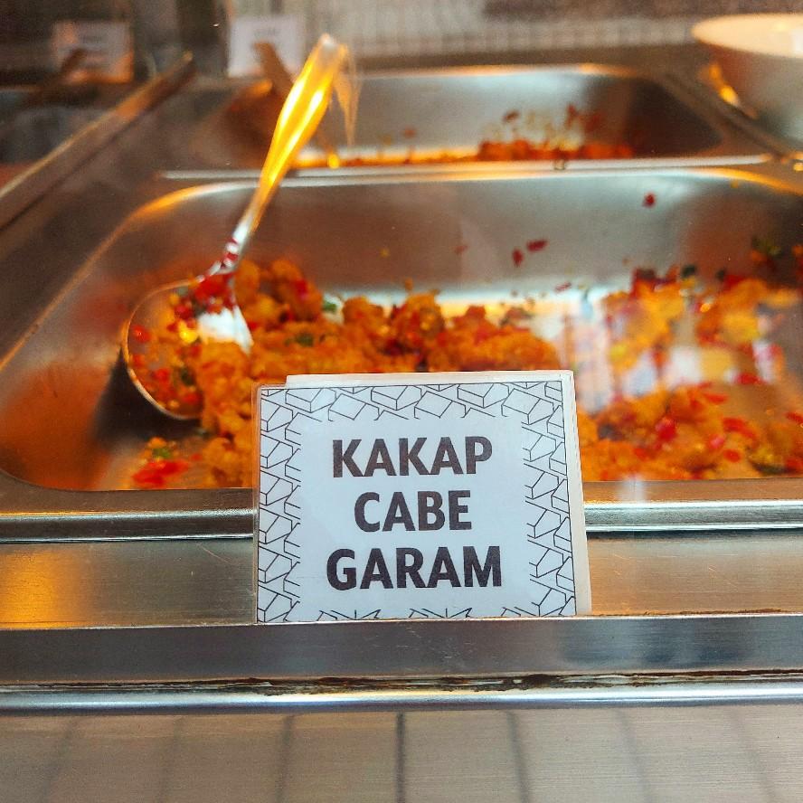Menu makanan sesuai tanggal di kedai kopi Kanopi Bogor