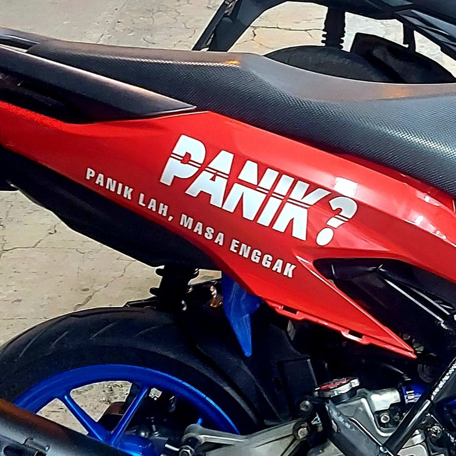 Stiker paniklah masa sih nggak pada sepeda motor