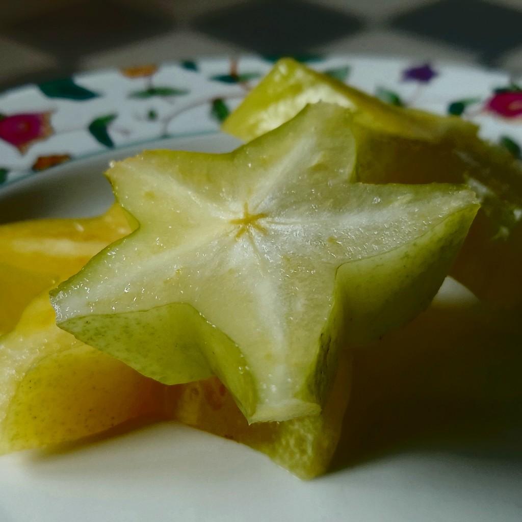 Nostalgia buah belimbing Averrhoa carambola