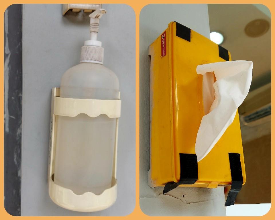 Hand sanitizer plus tisu di luar bilik ATM BNI Jatiwaringin Bekasi