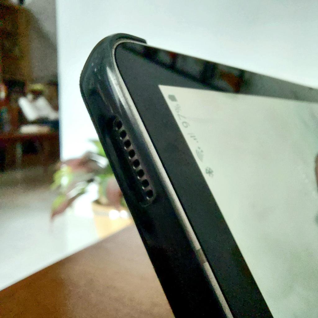 Menikmati radio di spiker tablet Samsung